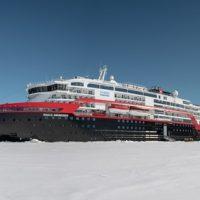 Landing-MS-Roald-Amundsen-HGR-142019_500- Photo_Andrea_Klaussner